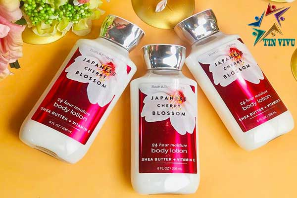 Japanese-Cherry-Blossom-Bath-and-Body-Works-chinh-hang