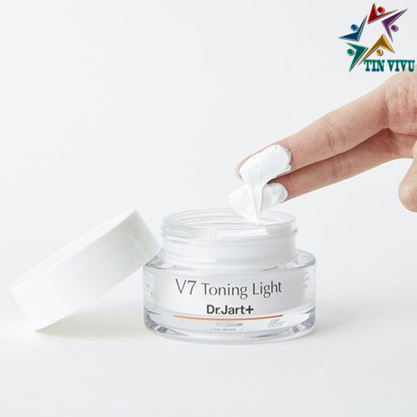 Kem-Duong-Sang-Da-Mo-Tham-Dr-Jart-V7-Toning-Light-Up-Cream-Minisize