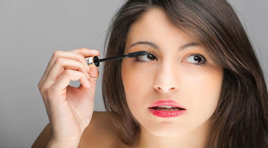 Meo-de-chai-mascara-dung-cach-cho-nguoi-moi-tap-make-up