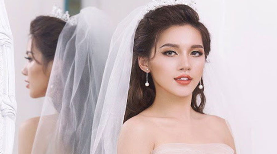 Trang-diem-co-dau-kieu-tay-thoi-thuong